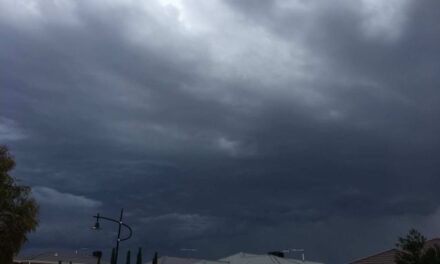 Melbourne weather: Storm moving through city, following sweltering temperatures