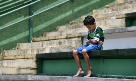 Chapecoense plane crash: Football rallies around Brazilian team