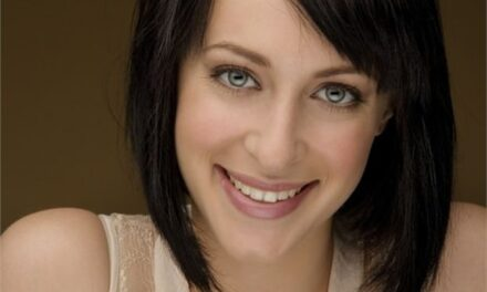 Jessica Falkholt: Australian actor dies after Boxing Day car crash