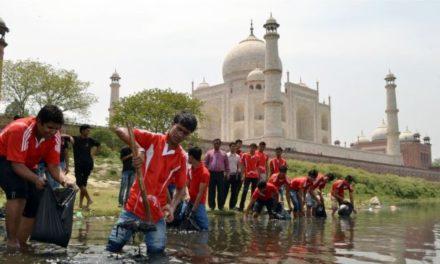Taj Mahal colour change worries India Supreme Court