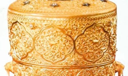 Nizam: India thieves 'ate from stolen gold lunchbox'