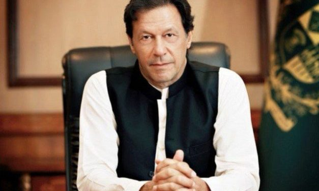 Pak PM calls in army as Covid cases surgePak PM calls in army as Covid cases surge