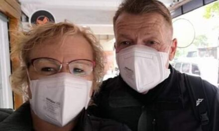 Coronavirus outbreak on cruise ship sends Australian couple 'stir crazy' as thousands confined to cabins