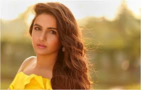Bigg Boss 14 housemate Jasmin Bhasin on opportunities in B'wood for outsiders