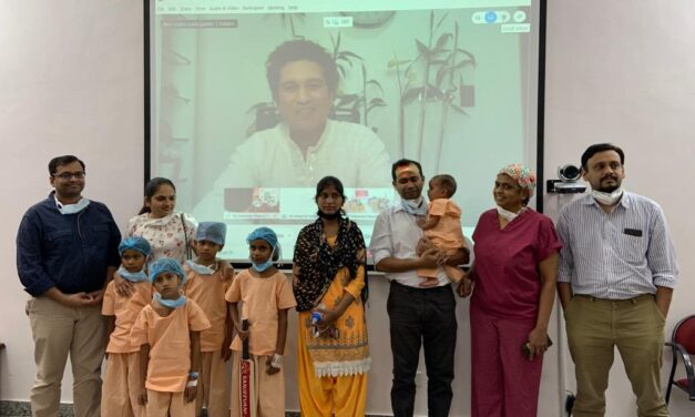 Tendulkar presents 'Gift of Life' certificates to 10 kids