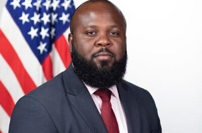 Highest ranking African-American official in WH leaves
