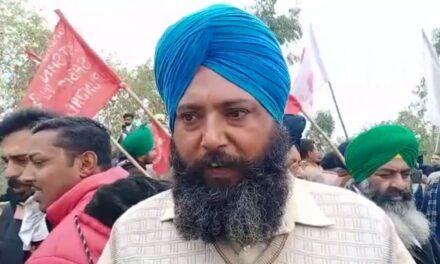 Protesting farmers keep Haryana, Delhi cops on toes