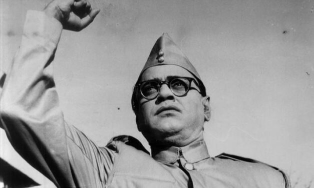 PM leads nation in paying tributes to Netaji