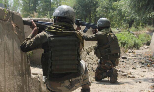 Gunfight breaks out in South Kashmir's Shopian district