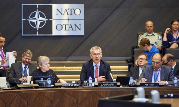 Russia warns against Ukraine's NATO membership