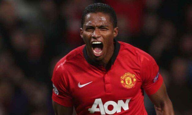 Former Manchester United defender Valencia retires