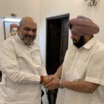 Amarinder Singh meets Amit Shah, sets off buzz