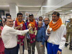 Golden boy Sumit Antil, silver medallist Devendra Jhajharia given warm welcome