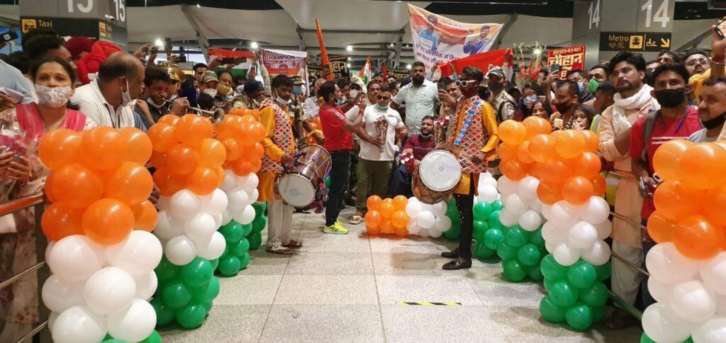 Golden boy Sumit Antil, silver medallist Devendra Jhajharia given warm welcome.